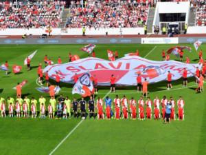 Zbrojovka dostala na Strahově čtyřgólový náděl, Slavia slaví po osmi letech titul