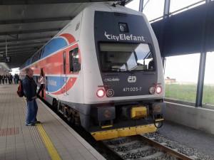 Kraj se v případě vypravení více vlaků RegioJet obává zhoršení přípojů na trati Praha-Brno
