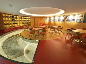 Světový unikát? Podlaha brněnské vinotéky odkrývá téměř tisíc let starou rotundu