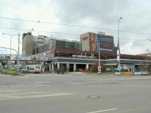 Brněnské Tesco u nádraží má nového majitele. Slibuje zlepšení prostředí a nové obchody