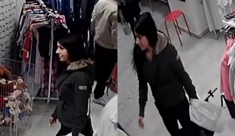 VIDEO: Mladá zlodějka vykradla ženě kabelku. Nepoznáte ji?