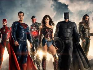 RECENZE: Premiéru Justice League na plátně sráží digitální megabordel a nuda