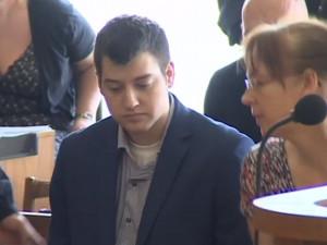 Dahlgren spáchal sebevraždu oběšením, potvrdila to věznice