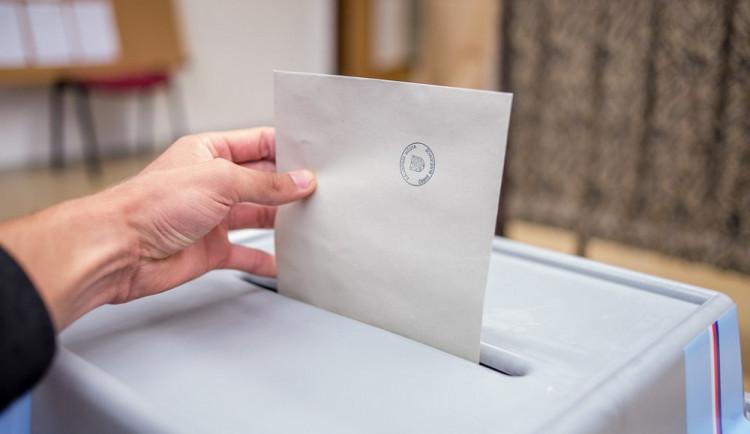 K volbám v Brně přišlo v pátek přes 50% voličů