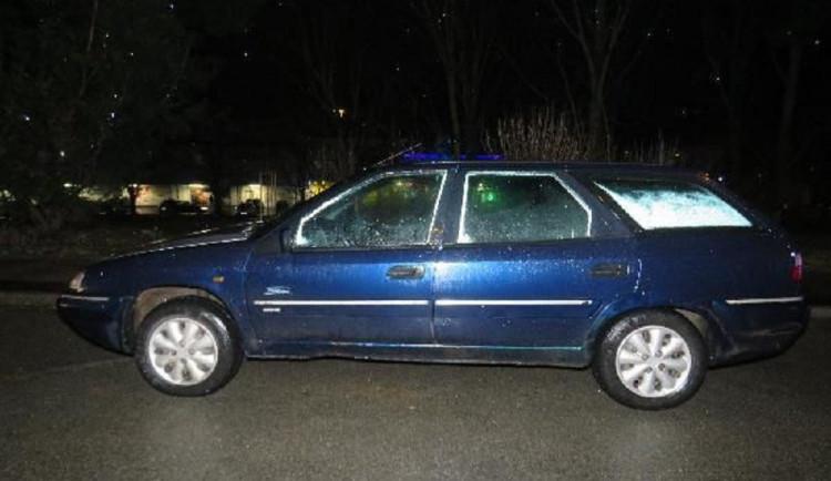 Řidič srazil dvě chodkyně, policisté hledají svědky