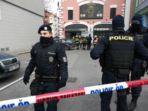 Na Kotlářské v Brně dnes ráno hořelo v prostorách střelnice, šest lidí se zranilo