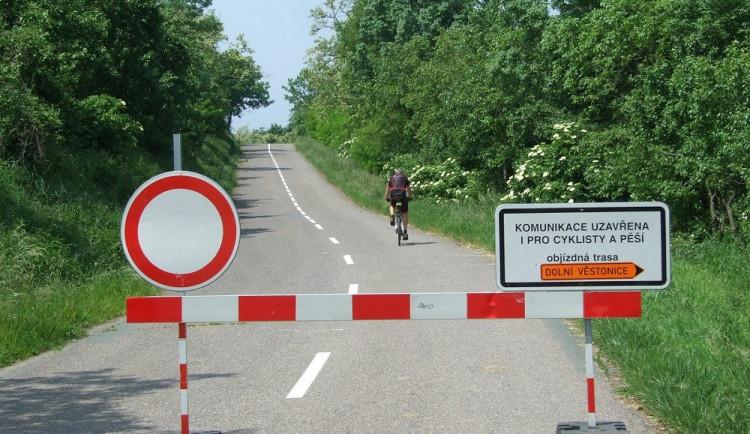 Od dubna bude po třech a půl letech částečně průjezdná silnice z Pavlova do Věstonic