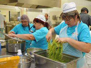 Brno podpoří milionem korun dietní stravování ve školách. Peníze dostanou i kuchařky