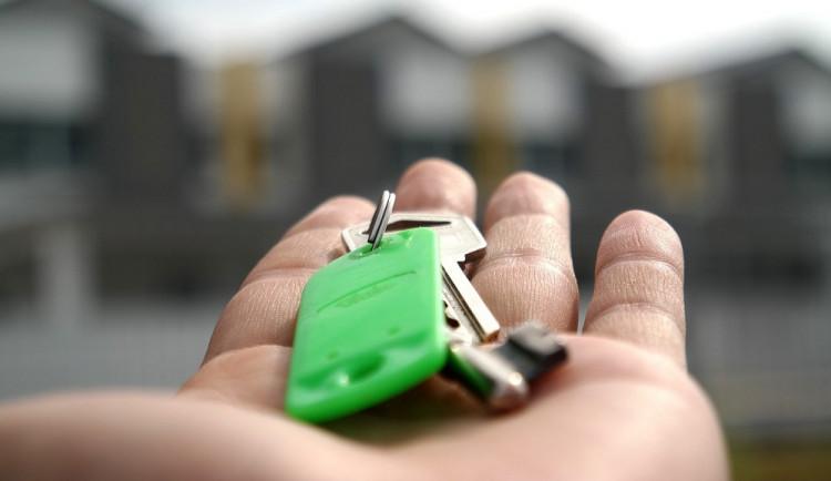 POLITICKÁ KORIDA: Jak vnímají oslovení brněnští zastupitelé sociální projekt Rapid Re-Housing?