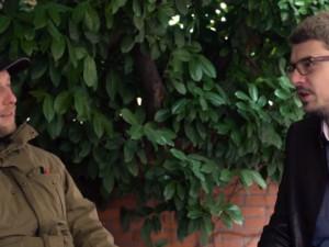DRBÁRNA: Češi nejsou tolik srdeční, jako Srbové, říká stand-up komik Nikola Džokić