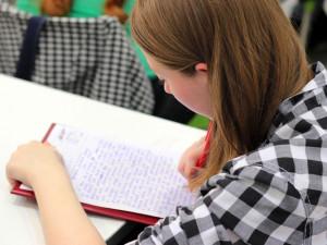 Středoškolákům začíná období státních maturitních zkoušek