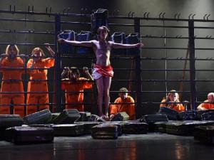Kraj nejspíšsníží dotaci divadelnímu festivalu kvůli kontroverzním hrám