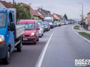 Policisté nedoporučují o víkendu cestu na Vídeň přes Nové mlýny. Očekávají se velké kolony