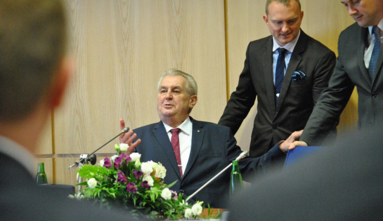 Brněnský radní předvídal Zemanovu smrt. Soud nyní zrušil civilní spor, případ bude řešit policie
