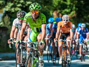 V Brně dnes odstartovalo juniorské mistrovství Evropy silničních cyklistů. Češi si věří na medaili