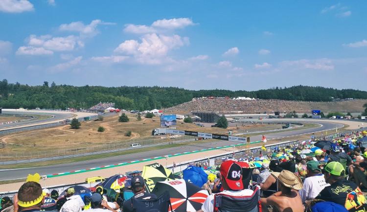 Návštěvnost MotoGP letos mírně klesla. Problémy v dopravě nenastaly