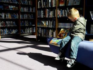 Jak učit děti číst? V Brně začala unikátní Letní škola čtenářství pro učitele