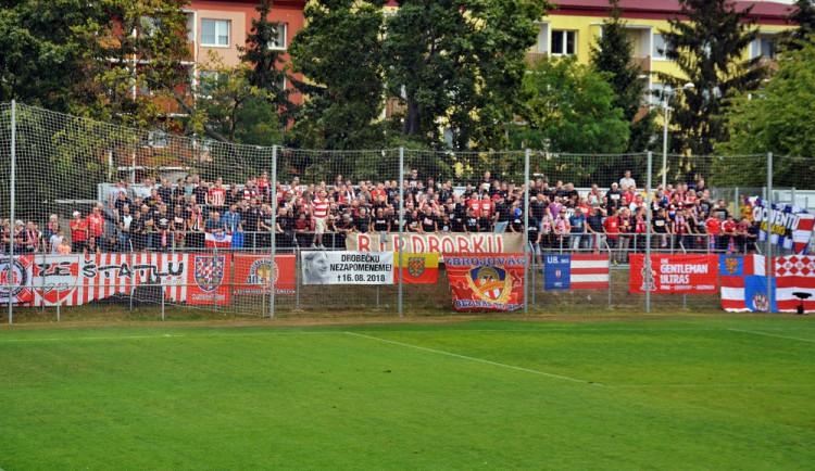 Zbrojovka se v Prostějově na tribuně loučila s věrným fanouškem. Na hřišti nevybojovala ani bod