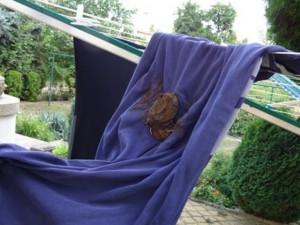 Žena si v Brně pověsila prádlo na usušení. Někdo jí ho pomazal psími výkaly