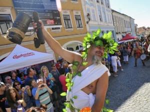 TIPY NA ZÁŘÍ: Čas burčáku nadešel! Jižní Morava ožije slavnostmi a vinobraním