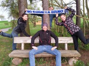 Brněnský rodák a fanoušek Komety jde pěšky z Třince, aby sehnal peníze pro dětský hospic
