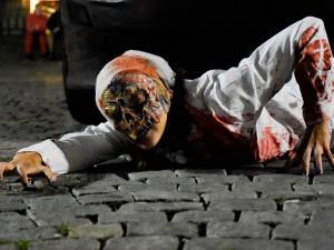 FOTO&VIDEO: Brnem se přelila vlna stovek nemrtvých zombie
