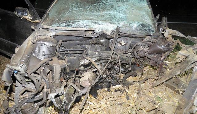 Opilý a zkouřený řidič předjížděl ve vysoké rychlosti přes plnou čáru, v protisměru zabil ženu ve Fiatu