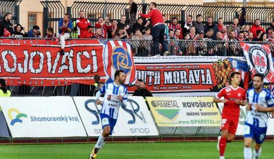 Zbrojovka porazila v derby Znojmo a poprvé si veze tři body z venku