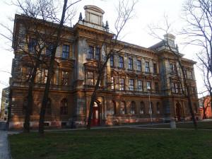 FOTO: Opuštěná škola v Brně ožila módou, nyní ji čeká nový život