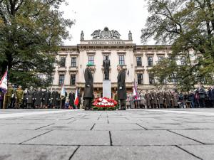 FOTO: Brno si jubilejní výročí připomnělo setkáním u sochy tatíčka Masaryka