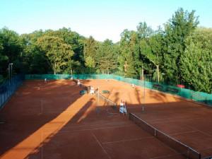 Nové kurty, sauna, tribuna a fotbalové hřiště. Brno dá 10 milionů na obnovu sportovišť tří klubů