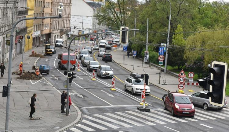Rok trvající rekonstrukce na Kolišti končí. Ulice bude od pátečního rána zcela průjezdná
