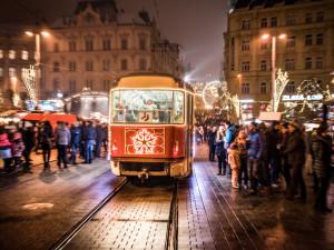 TIPY NA VÍKEND: Festival vánočních dárků, Tata Bojs, Monkey Business, Anna K. a Santa Claus Cup