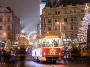 Brněnské Vánoce Štědrým dnem nekončí! Po svátcích budou v provozu trhy, bruslák i vyhlídkové kolo
