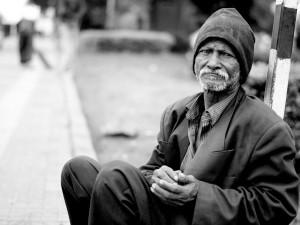 Lidé jsou v Česku stále štědřejší, během loňska dali na charitu přes osm miliard