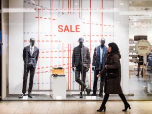 Vaňkovku v novém roce ovládly slevy. Většina obchodů nabízí výprodeje za méně než poloviční cenu