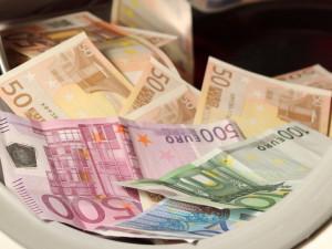 Šedá ekonomika podle většiny lidí v Česku brzdí ekonomický růst. Jak s problémem bojují města?