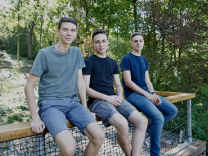 Projekt tří gymnazistů z Brna pomáhá proti šikaně ve více než tisícovce škol. Děti se nejčastěji šikanují kvůli vzhledu