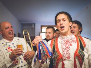 FOLKLORNÍ TIPY NA ÚNOR: Masopusty, krojované plesy, putování po sklípcích, fašank