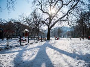 TIPY NA VÍKEND: Ženský volejbal, výstava kostýmů filmu Skleněný pokoj, Swingový ples, bitva o Budapešť