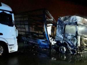 FOTO: Na Brněnsku hořely kamiony, škoda jde do milionů