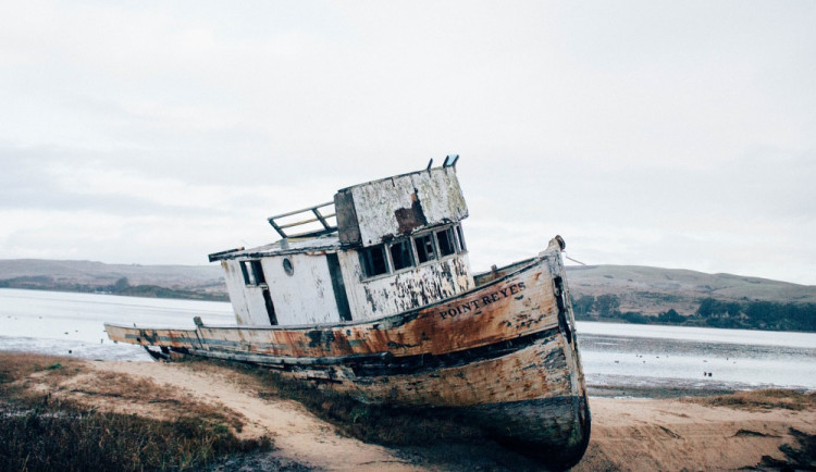Falešný lodní inženýr se bál somálských pirátů, žena z jižní Moravy mu poslala dva miliony