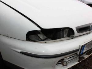 FOTO: Zloděj na Brněnsku 'oholil' starého Fiata. Ukradl světla, nárazník, baterii a stavebnici vláčku