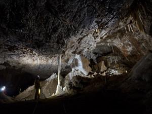 Jeskyňáři objevili v Moravském krasu novou chodbu v jeskyni