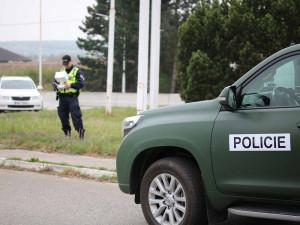 Cizinecká policie si posvítila na nelegální pracovníky. Někteří mají falešné doklady