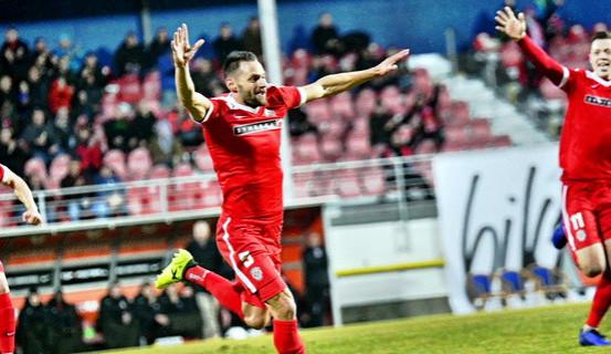 Debakl jako Brno! Zbrojovka v prvním domácím zápase zdecimovala Viktorku Žižkov 6:0
