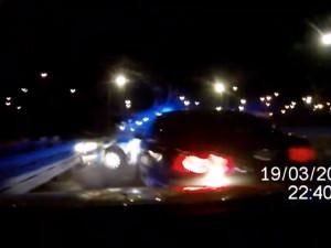 VIDEO: Šílená policejní honička po Brně. Na cizince v kradeném autě plném zbraní museli policisté střílet