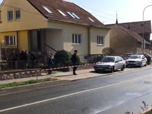 Policisté už pracují pouze s jednou verzí střelby v Ostopovicích: syn zastřelil matku a pak sebe