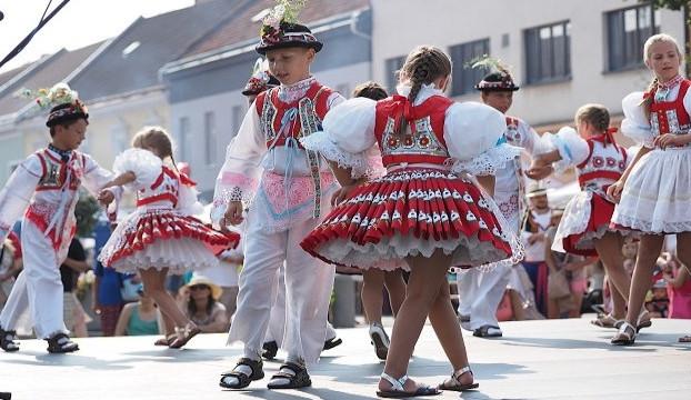 Jižní Moravu opět letos čekají velké folklorní svátky. Na co se můžeme těšit?