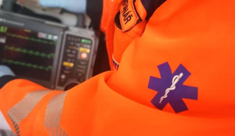 Na Brněnsku se srazila dodávka s náklaďákem, jeden člověk zemřel